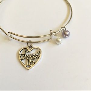 Jewelry - NWOT Sweet 16 Lavender Expandable Charm Bracelet